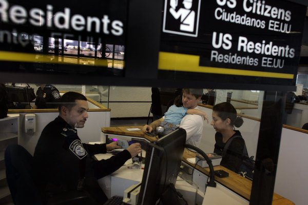 入境美國簽證又有新規,事關華人入美權益,需詳讀本報導及視頻—